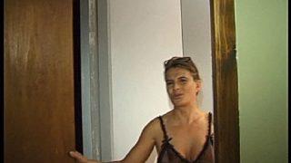 femme mûre tres chaude baisée chez elle à Bourges