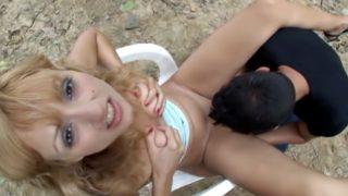 blondinette de 19 ans sodomisée dans les bois