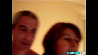 couple français s'exhibe sur Chatroulette