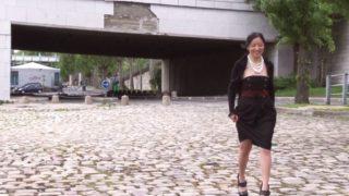 amatrice enculée en public sur les quais de Seine